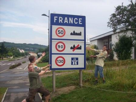 Geschwindigkeitsbegrenzungschild in Frankreich